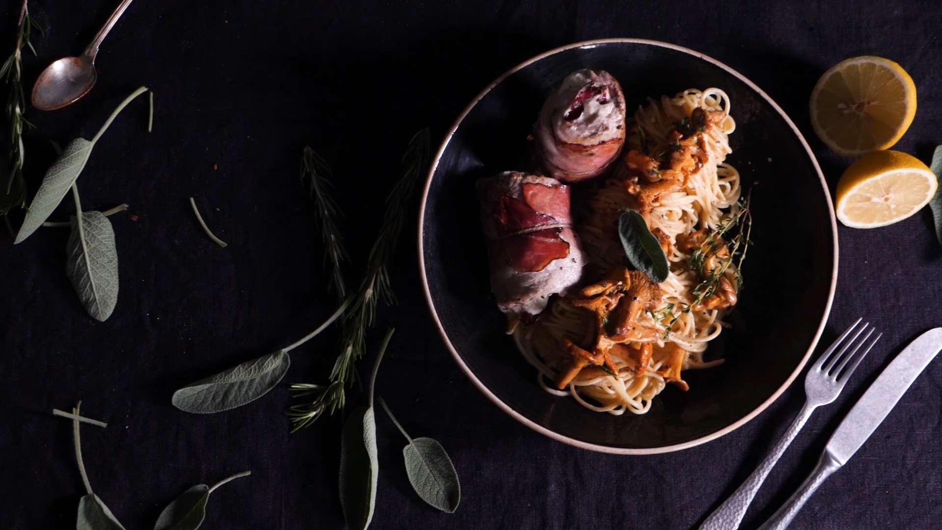 Hütthaler - Cooking Catrin kocht Schweinsinvoltini mit Speck und Salbei