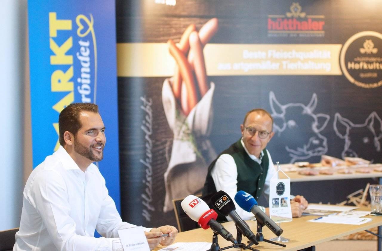 Florian Hütthaler und Andreas Haider (Unimarkt) Pressekonferenz Tierwohl